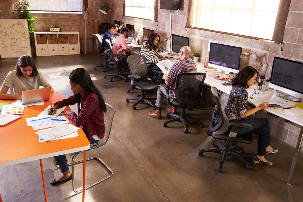 Is Hot Desking the Right Choice